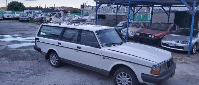 volvo-245-van